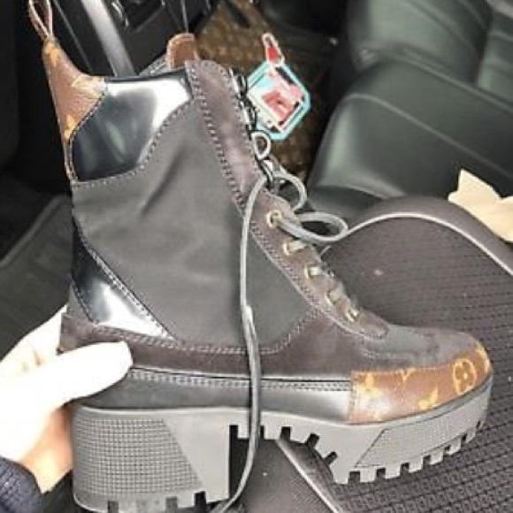 Authentic Louis Vuitton Desert Boots